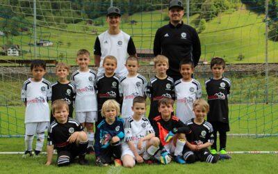 Swisstro AG sponsert G-Junioren-Trikots